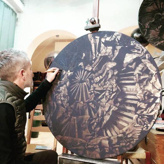 doratura-e-pigmento-su-tavola-diametro-100.jpg