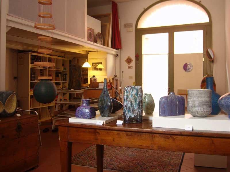 studio-battaglia-di-enrico-versari-ospita-Marcello-Fantoni-argillà-italia-2010-2.jpg